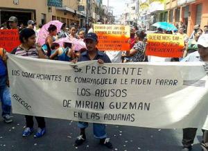 La protesta de los comerciantes se originó en la Cuarta Avenida de Comayagüela.