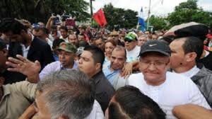 El viernes anterior el pueblo se tomó la CSJ y sacó a Romero para salvarlo de la carcel.