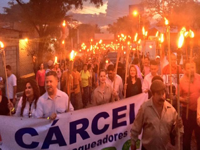 Pueblos del mundo se solidarizan con hondureños indignados