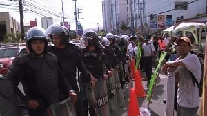 La policía no permitió el ingreso de los miembros del COPINH a la huelga de hambre.