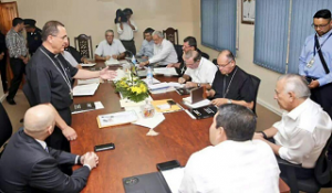 Los obispos católicos se reunieron con el mandatario en casa presidencial.