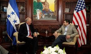 Thomas Shanon se reunirá esta tarde con el presidente hondureño, Juan Hernández.