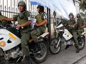 La policia y el ejercito se multiplican ante tanto disturbio.