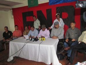 El Frente Nacional de Resistencia Popular cuando leían el comunicado anunciando el paro.
