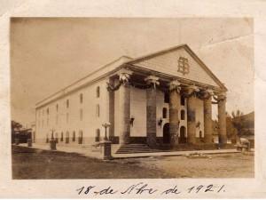 Ya para el año de 1921 había sufrido algunas remodelaciones.
