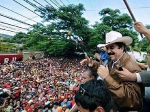 Manuel Zelaya no irá a la movilización del 5 de agosto para protestar en contra de la reelección porque dice que en ella participaron algunos promotes del golpe de Estado de 2009, pero aclara que los militantes de su partido que deseen pueden ir y que los respeta en su decisión.