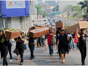 Las protestas en Honduras contra los feminicidos no son escuchadas por las autoridades ni por el gobierno.