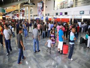 El Aeropuerto Ramón Villeda Morales en San Pedro Sula, recibe un gran numero de hondureños en esta temporada.