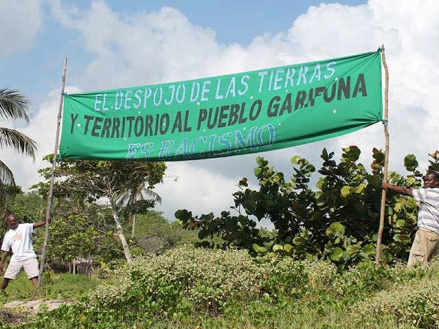 El canadiense: Una cronología de usurpación de tierras Garífunas por Randy Jorgensen