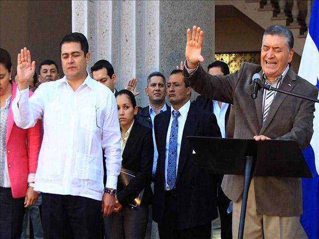 ALGUNOS PREDICADORES HACE RATO TOMARON PARTIDO