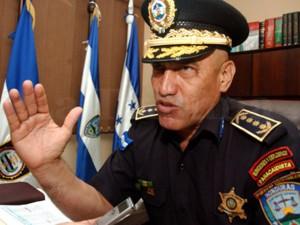 """Los policías fueron suspendidos por el entonces director de la Policía Nacional, Juan Carlos """"El Tigre"""" Bonill."""