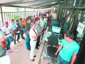 Los hondureños llegan a pasear y a gastar en su visita al RNP pues no hay materiales.