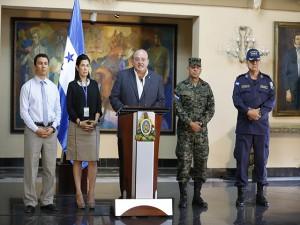 Los funcionarios de Honduras mientras daban a conocer la nueva estrategia del gobierno.