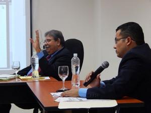 Eduin Natividad Romero durante el proceso de audiencias en el IPP. Al fondo el fondo el comisionado de IAIP, Gustavo Manzanares.