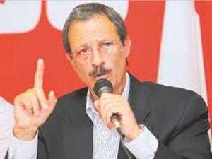 Mauricio Villeda, presidente del Consejo Central Ejecutivo del Partido Liberal.
