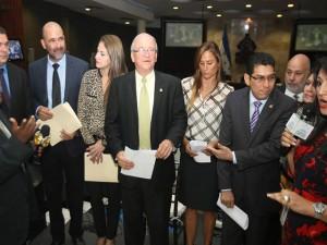 Nasralla adelantó que la bancada acordó no votar por los 37 nominados a magistrados para conformar la nómina de 15.
