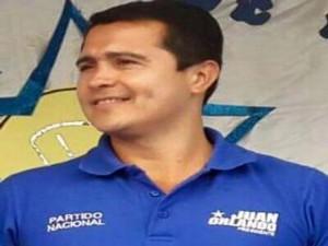 TONY HERNÁNDEZ1