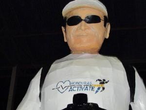 Esta es la estatua del presidente Juan Hernández.