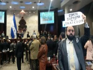 Esta Corte surge de una serie de traiciones, sobe todo al pueblo dice Luis Redondo