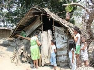 No se puede ser feliz viviendo en las condiciones que vive el pueblo hondureño y esto que se han mgastado mas de 180 mil millones en la redacción de la pobreza