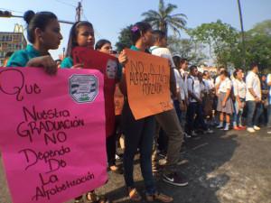 Los estudiantes rechazan el mecanismo que está utilizando la secretaría de Educación para el proceso de alfabetización y los gastos en los que están incurriendo para desarrollarlo.