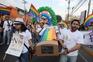 Hay una homofobia que desencadena en asesinatos contra los miembros de los grupos LGTBI y que es promovida por el Estado hondureño