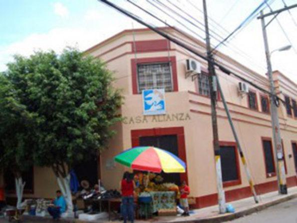 cierre de Globo TV es otro abuso del actual gobierno: Casa Alianza