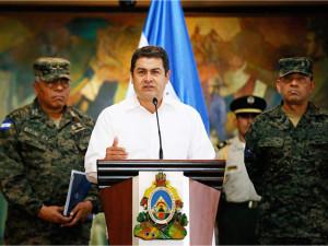 En vez de cumplir con nueva ley y la creación de IPN militarizó las cárceles como lo ha hecho con todos los problemas sociales de Honduras