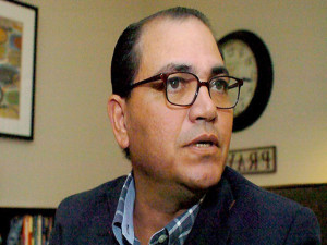 Alberto Solorzano miembro de la comisión depuradora de la policía