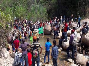 Así se vivió la manifestación realizada en el río Gualcarque.