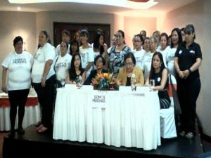 """Mujeres agrupadas en el colectivo""""somos muchas"""""""