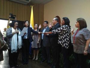 La rectora Julieta Castellanos juramenta la comisión de seguimiento