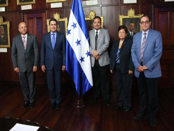 Evangélicos Financiados por EE.UU y golpistas detrás de nueva comisión para depurar la policía hondureña