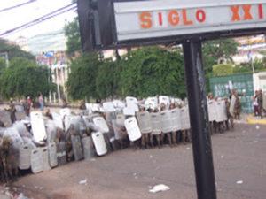 Desalojo violento perpetrado el 29 de junio de 2009 un día después del golpe de estado a Manuel Zelaya Rosales