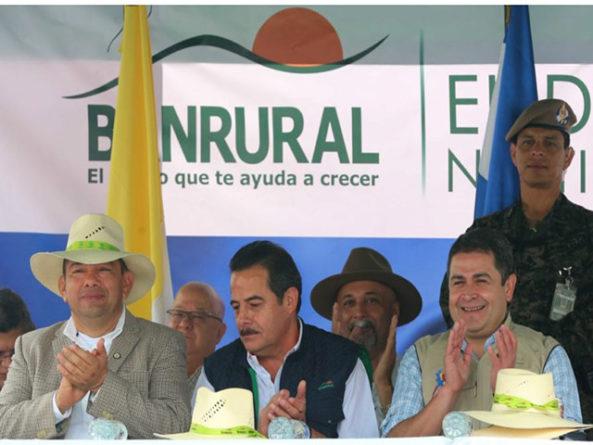 Juicios que enfrentan Otto Pérez y Roxana Baldetti  y «El Olor de la Guayaba» en Honduras