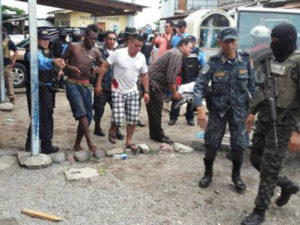 Al menos unos 13 heridos se reportaron tras el amotinamiento de los reclusos