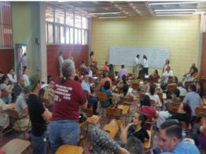Asamblea de los docentes agremiados en la ADUNAH