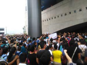 Los estudiantes se siguen sumando a la lucha y hoy son miles
