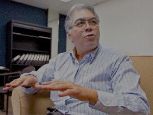 El Chino Castillo, dice que firmas son producto de la Bolsa Solidaria por lo tanto son falsas