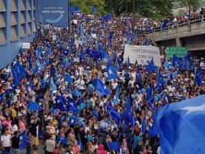 Los nacionalistas movilizaron algunos miles con el pago de 50 lempiras mínimo y la bolsista solidaria por la que un pueblo con hambre se moviliza