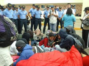 Estudiantes capturados aun están en poder de la policia