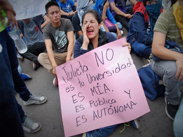 El diálogo universitario debe ser impostergable afirman escritores y artistas hondureños