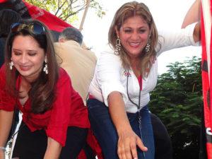 Aquí aparece Yeni Murillo  en el cierre de campaña en el 2013 junto a Scherly Arriaga