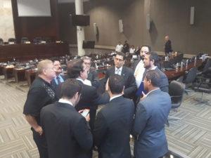 Ya la noche del miércoles hubo la primera reunión de los coordinadores de bancadas de los partidos de oposición