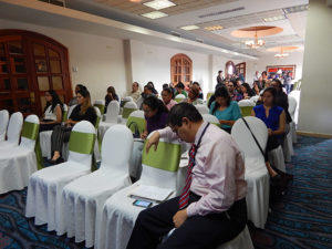 Parte del publico asistente a la presentacion del informe sobre el rediseño del Estado de Honduras