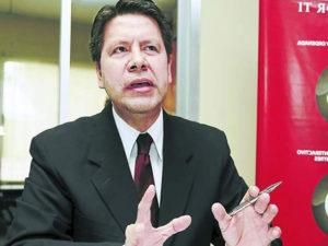 Graco Pérez, diplomático y analista político