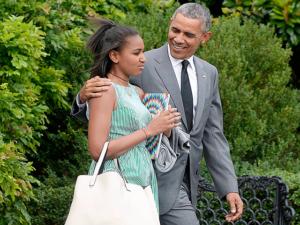 Sasha en compañía de su padre, el presidente de EE.UU. Barack Obama.