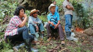 Berta Cáceres, denunció internacionalmente a la empresa DESA por atentar contra los recursos naturales y la vida de la comunidad Lenca.