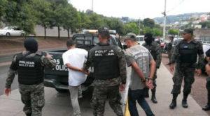 La Policía Militar del Orden Público detuvo a dos sospechosos de ser los responsables de la masacre del Hato de Enmedio.