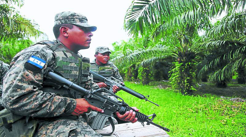 """Paramilitares han infiltrado al movimiento campesino, denucian campesinos del Aguán"